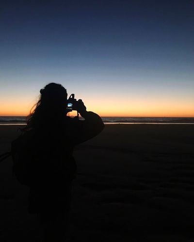 🎒 Vacation Travelling Travel Sunset Atlantic Surfing France Photography Themes Photographing Sea Silhouette Sunset Camera - Photographic Equipment Digital Camera Nature Beach Water Camera Horizon Over Water
