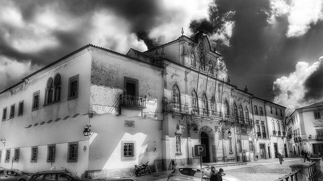 Évora  Instaevora Portugal Architecture Buildings Symmetry Geometry Streetphotography Travelgram Conceptualphotography Photo Faded_world Historic Art Visitevora Followevora Igersportugal Explore Travelling Tourism Visitportugal Travelbloggers Beautifuldestinations Citybreak Worldheritage monochrome monocromatico