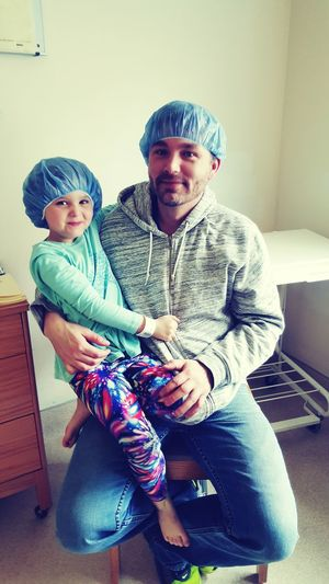 One of my tough little girls before surgery and her daddy ♡ Mytoughlittlegirl MYheart MyLove ♡ Fatherdaughter Thatsmile