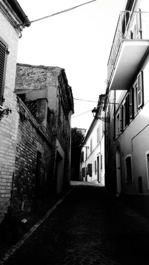 Architecture Building Exterior Built Structure House Residential Building Sky City No People Outdoors Day Light And Shadow Light The Soul Historical Building Old Buildings Architecture Building My Point Of View My Favorite Place Montecosaro