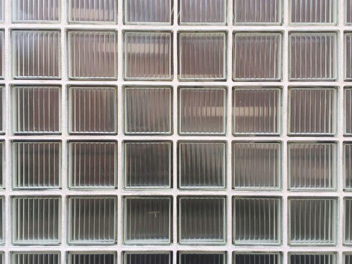 Tiled glass pattern