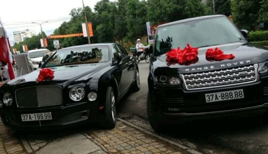 bentley mulsanne and range rover svautobiography check in việt nam Car Range Rover Bentley City Transportation Wedding Thug Life Supper Lounge
