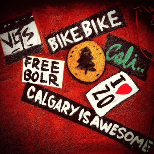 #BikeBike #FreeBOLR #CalgaryisAwesome I LOVE ZO #streetphotography @playersgoplaces Streetcuriosities Perspectivaurbana