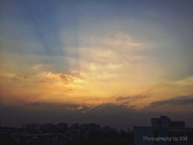 Sunset of 5 layers + sunrays! Sunset Cloudporn EyeEm Nature Lover Sunset #sun #clouds #skylovers #sky #nature #beautifulinnature #naturalbeauty #photography #landscape Sun_collection, Sky_collection, Cloudporn, Skyporn Sky And Clouds Nature Sunrays Sky Castle Singapore
