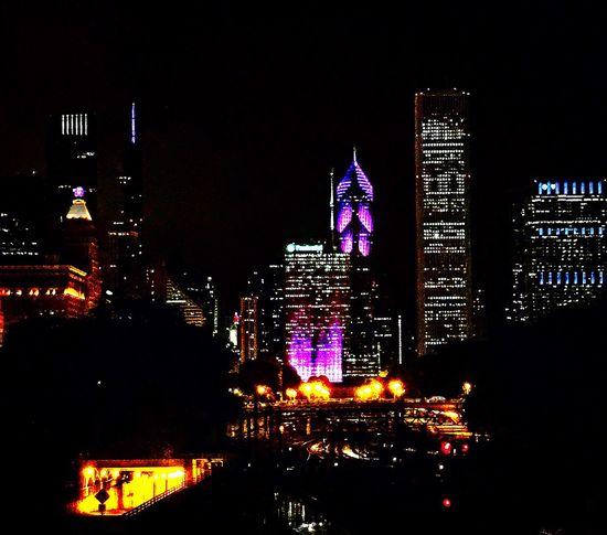 City lights✨✨ Night Night Lights Skyline In Chicago Skyline Colors Colour Of Life Eye4photography  Eyeemgallery EyeEm EyeEm Best Edits EyeEmBestPics Eyemphotography IPhone Amazing View Architecture The Graphic City