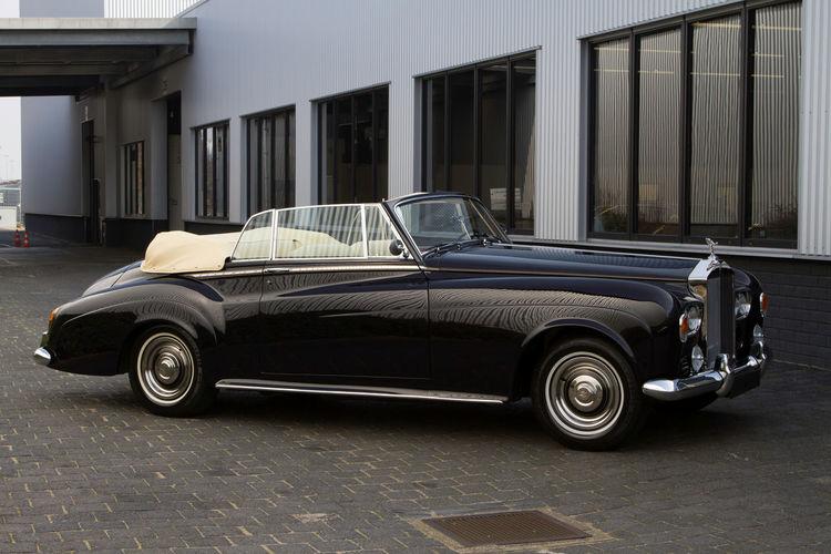 Rollsroyceclassic Rolls-Royce Rollsroyce Rolls Royce Rolls Car Cars Oldtimer Supercar Supercars Collector's Car Black Convertible Cabrio Cabriolet Coachbuilt Coachbuilder Luxury Millionnaire Millionaire Capital Vintage Cars Classic Cars Classic Car Wealthy