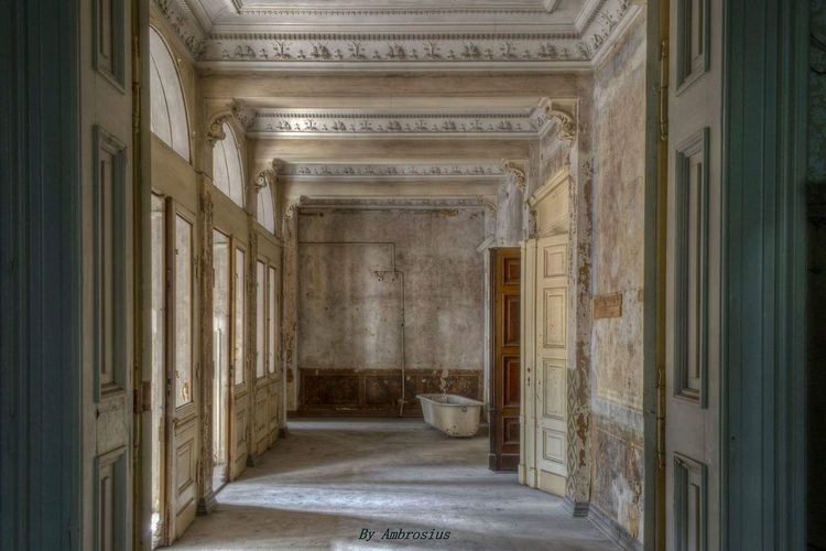 EyeEm Selects Architecture Indoors  Corridor Built Structure Architecture Lostplacephotography Lostplaces Beauty In Decay Abandon_seekers Abandoned_junkies Abandoned Places Decayed Beauty Decay Decay_nation Abandoned Decayed Bad Condition