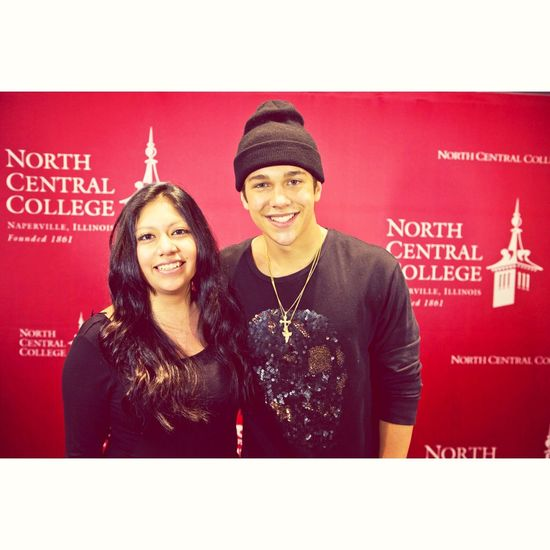 "Got to meet AUSTIN MAHONE ???❤️❤️❤️ ""you blinked"" touched him twice!"