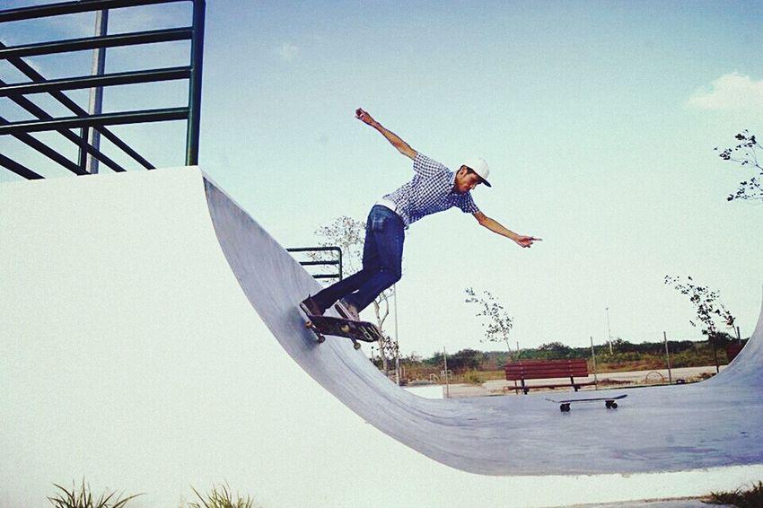 Skate park.. patinando Reynosa Skateboarding Skatepark Skate Skateday Skatelife