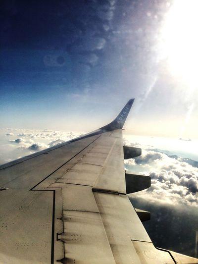 Bulutlar Yolculuktemalı Gunesligunler Gökyüzümavi Güneşyakıyor Borajet EveDönüyoruz özgürlüğe Uçmak Maviaşktır