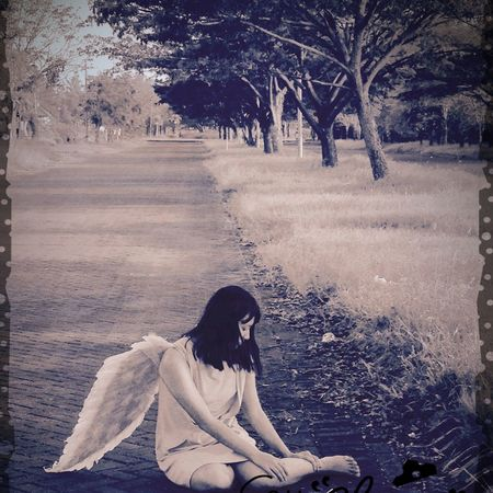 Lonely angel..... Girl Daughter Lovedaughter Angel Edited Angel Wings Justclick