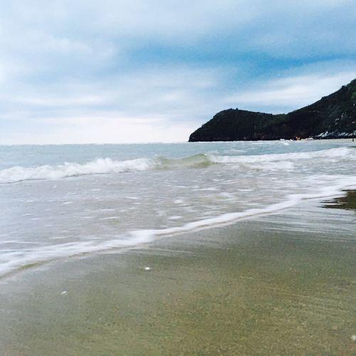 ริมหาดทราย Water Sea Land Beach Sky Beauty In Nature Scenics - Nature