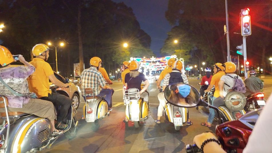 Đi vòng vòng Sài Gòn 🐣🐣 Night Vietnamese 很可爱 Childhood Lifestyles 加油清泉 Happiness Triển Và Đồng Bọn Cheerful Saigonese