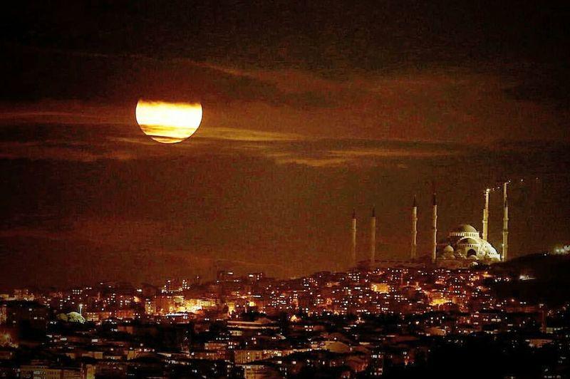 Night City Illuminated Flying Nature No People Beauty In Nature Sky Outdoors Moon Light Moonlight Moon Surface Moon Shots Moon Bogazkoprusu Boğaz Köprüsü Boğaz Bogazici Koprusu BoğazdanManzaralar Moonlightscape