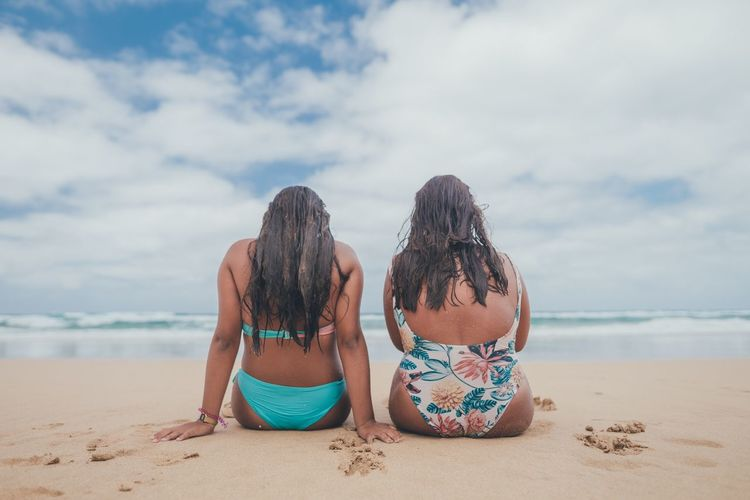 Friends Beach Land Sky Sea Water Cloud - Sky Sand Real People Togetherness Nature Rear View Two People Women Sitting Lifestyles Day Beauty In Nature Friendship