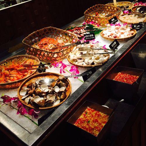 今晚晚餐就吃這家 這家泰式料理不錯吃 而且菜色蠻多樣的 愛吃泰式料理的朋友 這家會是不錯的選擇 已飽,凸肚! Enjoying Life Taiwan Taipei Enjoying A Meal