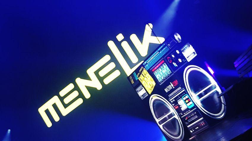Communication Colored Background Technology Show Rap&hiphop Menelik Oldies Agedordurapfrancais Frenchmusic Frenchrap Hiphopmusic HipHop Rap Artist Neon Life