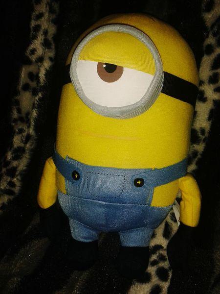 My new friend 😊😁😍 Minion  Minions ♥♥ I Love Minions Minions ™ Minions Characters Minions🎂🎁🎉😊☺ Toy Photography Plushtoy Minionlover Minionslove Toys