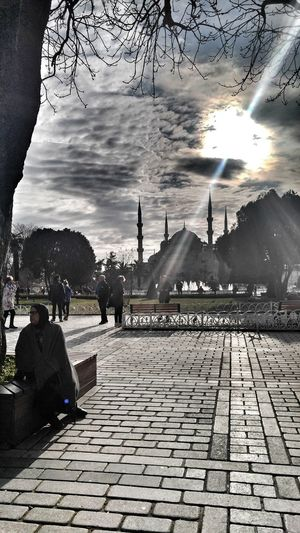 Real People Sky Sunlight Women Cloud - Sky Memories Turkey Istanbul Light And Shadow Traveling Streetphotography City Life.