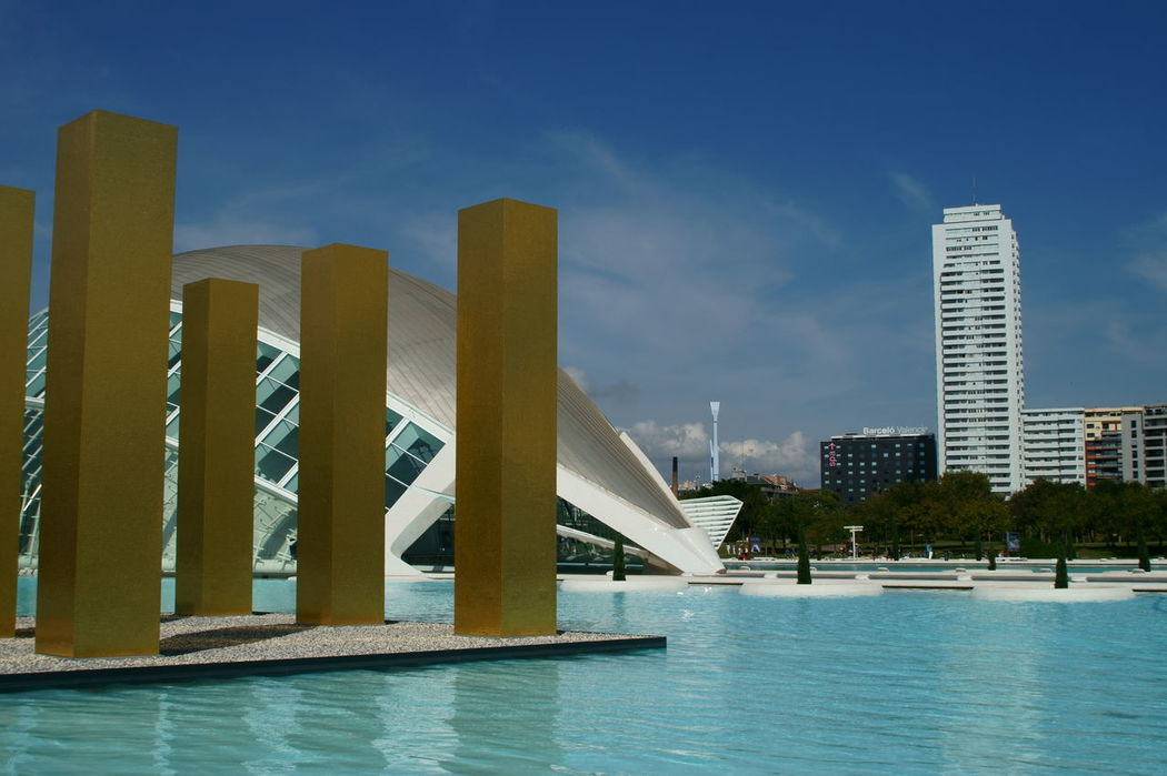 Museo dell'arte e della scienza, Valencia Artes City Life Cityscape Museo Museo Valencia Park Science Science And Art Sky And Clouds Valencia, Spain Water Water Reflections