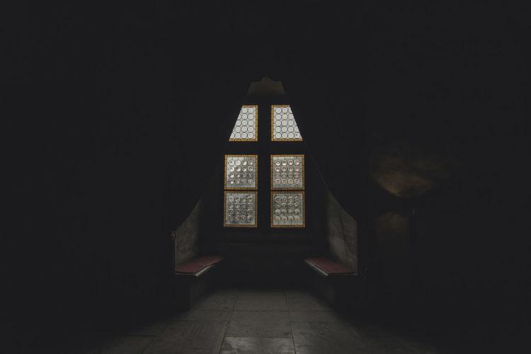 Ancient Arch Castle Damaged Dark Dark Darkness And Light Darkroom Day Deterioration Home Interior Hunedoara Indoors  Interior Interiors No People Obsolete Old Seat Transylvania Weathered Window