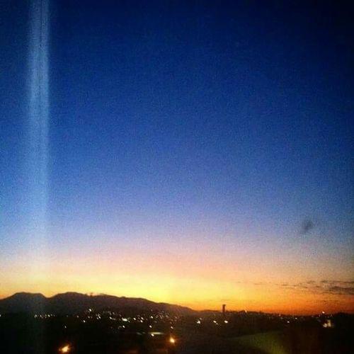 Me sinto muito bem quando vejo o por do sol... só pra fazer nascer a lua... Pordosol Riodejaneiro ZonaNorte