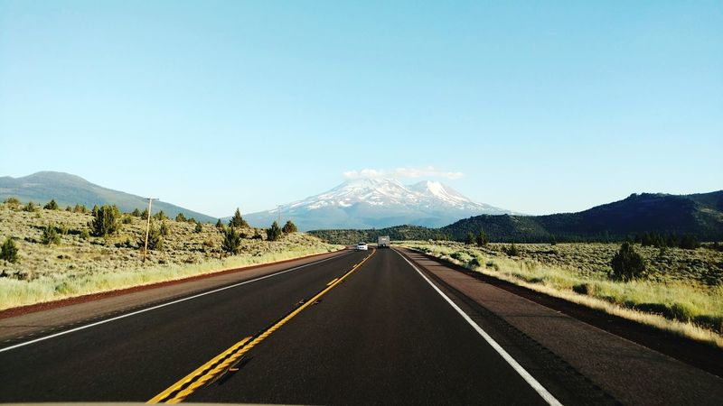 Mt Shasta California Snow Cold Temperature Mountain Road California USA Shasta Mt Shasta Sommergefühle Been There. Adventures In The City
