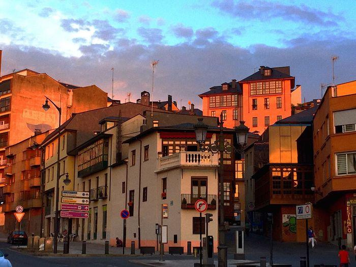 Arquitecture Pictureoftheday Small Town Ponferrada Sunset Orange Walking Around The Arquitecture Portrait