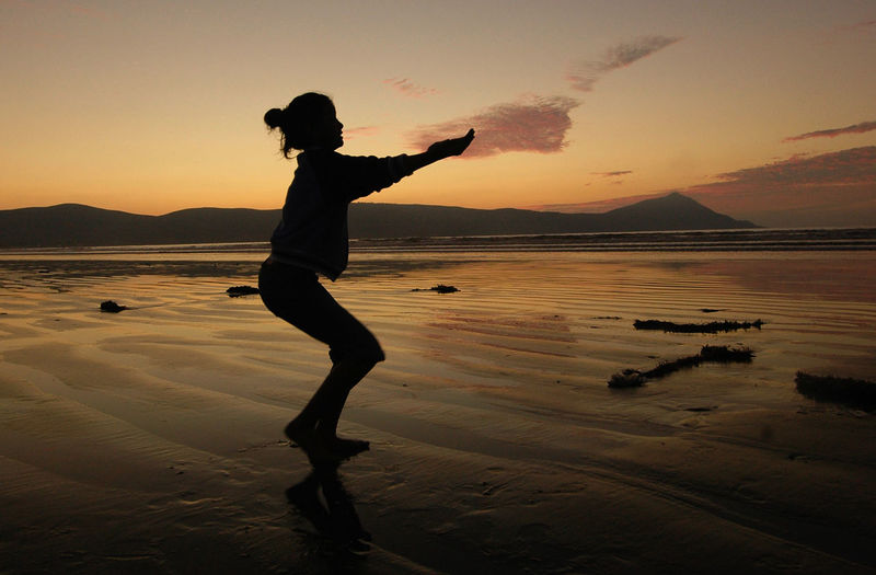 Silhouette Silhouette Photography Beach Sunset Silhouettes Sunset Reflection Reflections Dancing Around The World Dancing Girl Youth Young Adult Hula Girl Hula Dancer Baja California Travel Photography Travel Things I Like The KIOMI Collection