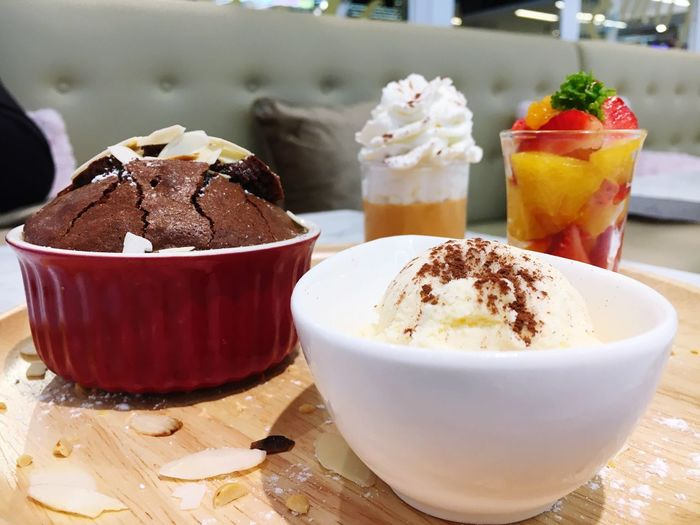 Freshness Food And Drink Freshness Dessert Ready-to-eat Indoors  Sweet Food Ice Cream Chocolate Cake <3