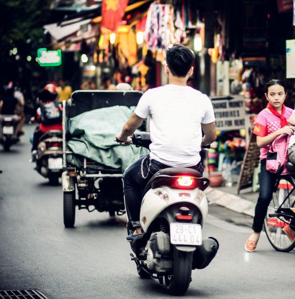 I love Hanoi :< Beautiful Hanoi Child Hanoi Hanoi Street Hanoivi I Love Hanoi Life In Vietnam Lifeinvietnam Peoplephotography Vietnampicture