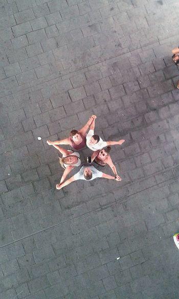 Friends Reunion Holidays Sunburn On The Beach Memories Souvenirs Plein La Tete Together