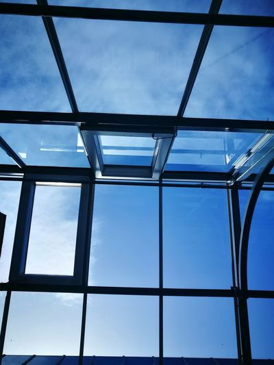 Low Angle View Architecture Indoors  Backgrounds Full Frame Built Structure Blue Ceiling Sky Geometric Shape Day Cloud - Sky Modern England In Autumn Cloudscape No People Atmospheric Mood High Section Man Made Structure Architecture Window Building Exterior Cloud And Sky Blue Sky Thinking Glass House The Architect - 2017 EyeEm Awards