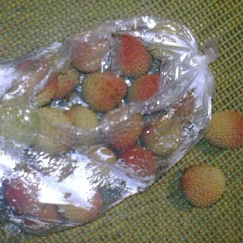 Lichies Lishies Santarosa Sinaloa culiacaneldorado aqui comiendo lichies desde santa rosa California ;)