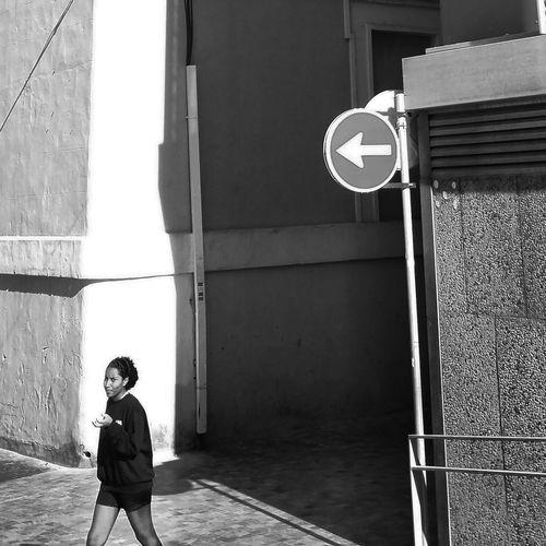 Streetphoto_bw Streetphotography Street Photography Streetphotography_bw Bnw_captures Black & White Urbanphotography Black&white Blackandwhite Photography Bnwphotography Monochromatic Monochrome_life Monochrome