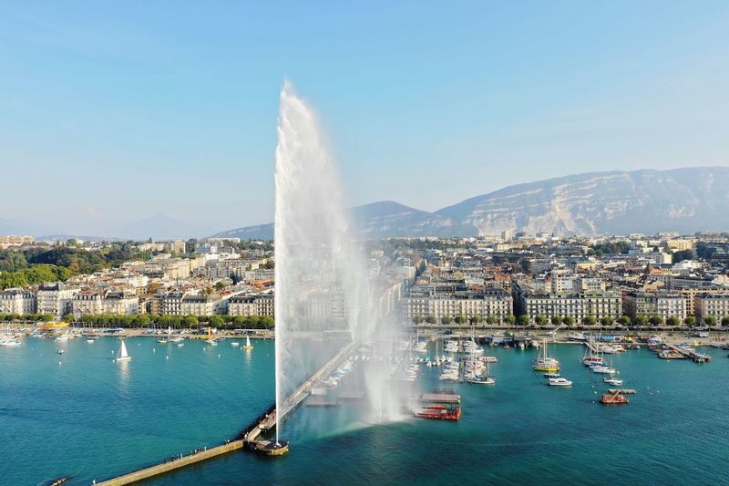 20Mp photo taken with Dji Mavic 2 Pro of the Jet d'eau in Geneva. Lake Drone  Noedit Genevafountain Dronephotography City Dji Mavic 2 Pro Switzerland Geneva Jetdeau Sky Cool Water