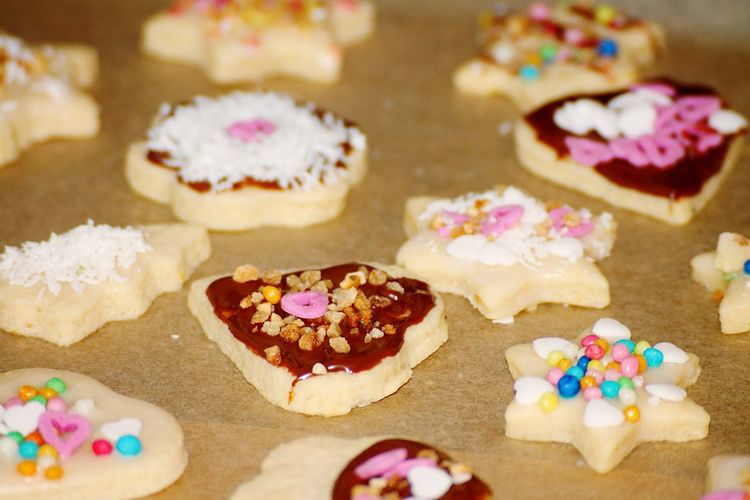 Home Baking COOKIES! Made With Love Christmas Time Christmas Is Coming Fresh Baked Freshly Baked Christmas Cookies Baking Cookies Home Baked Homebaked Homemade Cookies Xmas Preparations Christmas Spirit Christmastime Bakingtime Baking Christmas Cookies Christmas Baking Xmas Xmas Time ChristmasIsComing Cookie Fresh Out Of The Oven Holiday Desserts
