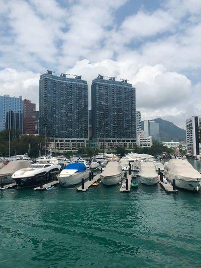 Cityscape Jet Boat Cloudscape Building Exterior Water Architecture Built Structure City Sky Cloud - Sky Harbor