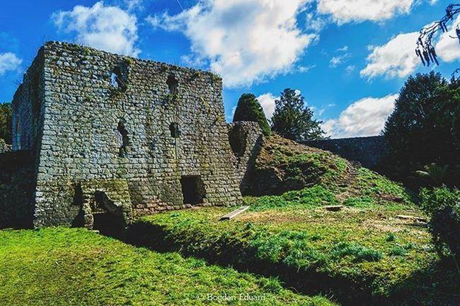 Photo by me - Nikon D3100 - LR edit. ---------------------------------------------- Leeds LeedsCastle Bogdann2309 Lightroom Uk Castle OldCastle Photo Photography Nikon NikonD3100 Sky Instagram Ig Likeforlike Like4like Photooftheday
