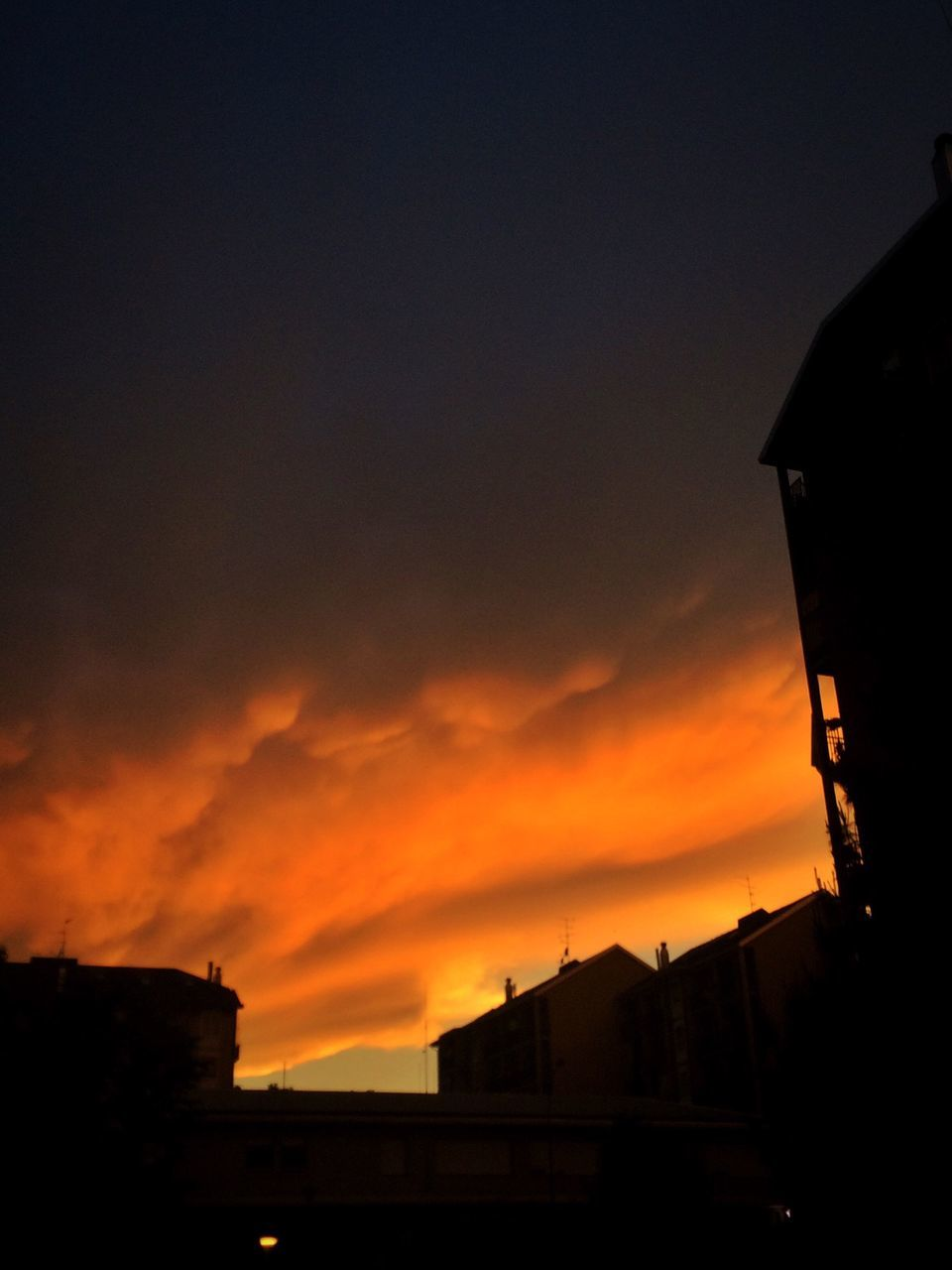 sunset, silhouette, built structure, sky, architecture, orange color, building exterior, no people, cloud - sky, outdoors, nature, beauty in nature, city