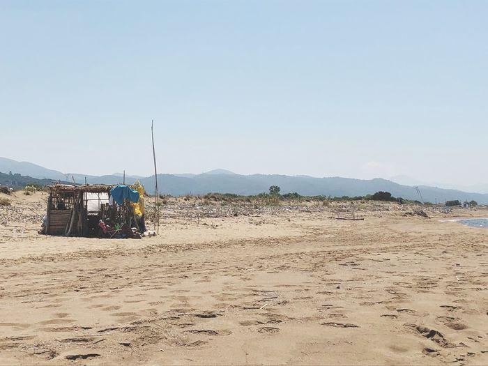 Strandhütte in Griechenland Aussteiger EyeEm Selects Land Sky Beach Sand Nature Clear Sky Copy Space Sea Outdoors