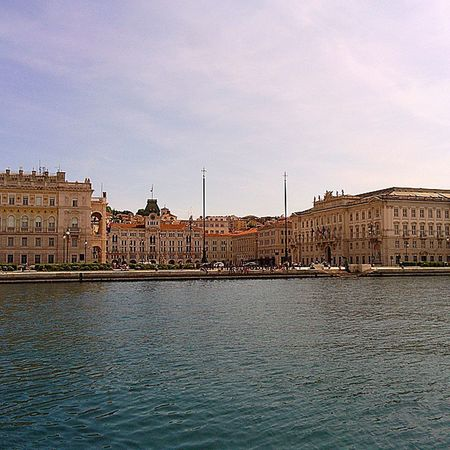 Trieste TriesteSocial Triesteraccontatrieste Triesteguida Moloaudace Piazzaunita