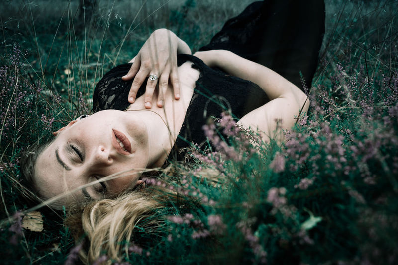 Beauty Tgphoto One Person Adult People Young Adult Eyes Closed  Lying Down Grass Outdoors Beauty Nature Beautiful People Women EyeEm Ready