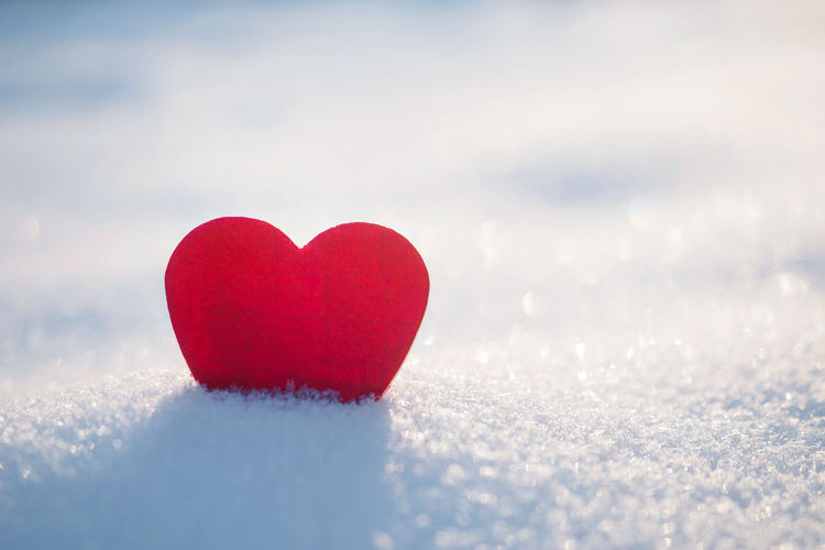 Red heart and fresh snow scene Copy Space Sparkle Valentine Valentine's Day  Bokeh Card Close-up Cold Ground Heart Heart Shape Love Nature One Outdoors Red Romance Scene Single Snow Sun Sunlight White Winter