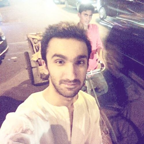 I caught rickshaw wale bhaiya off guard. Selfie Stranger Human Selfiewithstrangers Dilli DelhiGram Sodelhi Rickshaw Indiapictures Delhidiaries WhenInDelhi Lalala