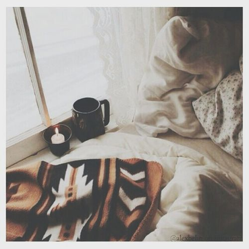 Autumn Autumn Colors Autumnlover Loveautumn Coffee Coffee Time Bed Window Freedom Amazing Awesome Warm Autumn🍁🍁🍁 Autumniscoming Candle Hope Hopes And Dreams