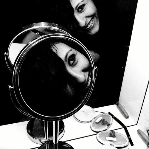 Girl Beuty Smile Mirror Blackandwhite Trucco
