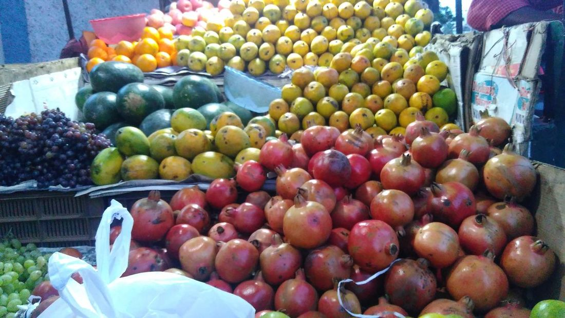 Apple - Fruit Collection Container Food For Sale Freshness Healthy Eating Market Market Stall No People Outdoors Retail  Ripe Sanku Photography Small Business Variation