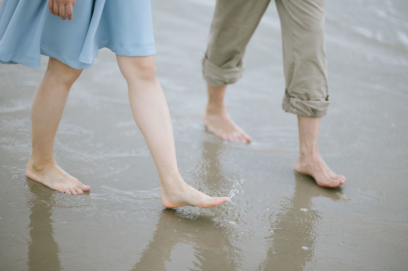 Low Section Human Body Part Body Part Water barefoot Two People Leisure Activity Real People Day Women Lifestyles Togetherness Adult Outdoors Positive Emotion Walk On The Beach  Walkway Walking Love Couple Couple - Relationship Couple In Love Couples❤❤❤ Together Forever Leg Asian  Knee Footpath barefoot