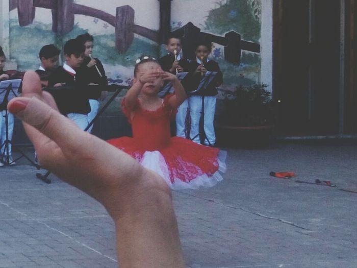 Nelle nostre mani Ourparty Mypupil Taking Photos Hello World Hand Hand In Hand Imperfection Is Beauty DanceRecital That's Me Hi! Momentifelici Redmoments Children Eye4photography  EyeEm Best Shots EyeEm Gallery